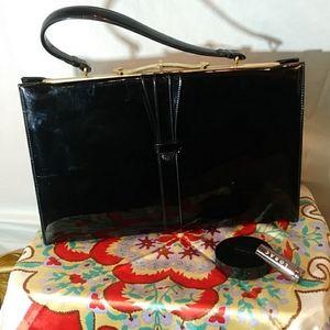 Vtg 1950/60 patent leather large handbag.